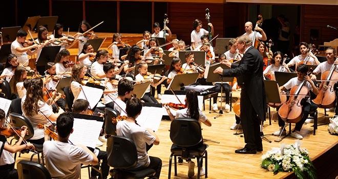 10. Yıl Marşı'ndan Mozart'a 23 Nisan'a özel konser