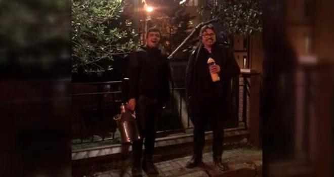 Opera sanatçısı Beşiktaş sokaklarında bozacıya eşlik etti