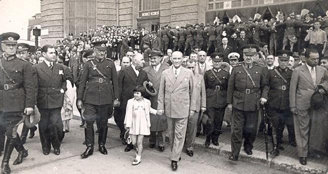 Fotoğraflarla Atatürk ve çocuklar