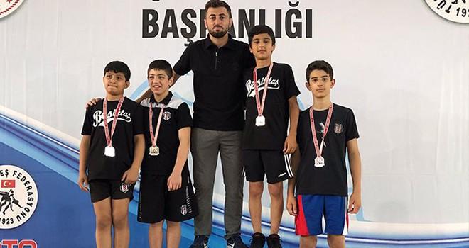 Beşiktaş U-13 Güreş Takımı'ndan Türkiye Şampiyonluğu
