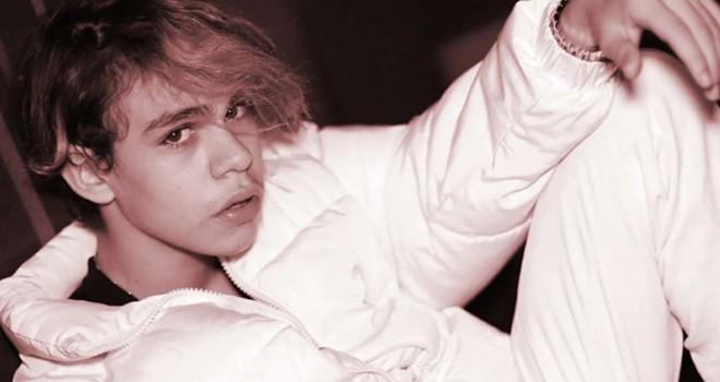 Genç şarkıcı Alper Erözer yurtdışından Global Records ile anlaştı
