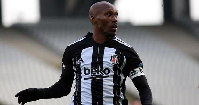 Beşiktaş'ta Atiba şoku! Maç kadrosundan çıkarıldı