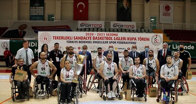 Beşiktaş Tekerlekli Sandalye Basketbol Takımı'ndan Türkiye ikinciliği