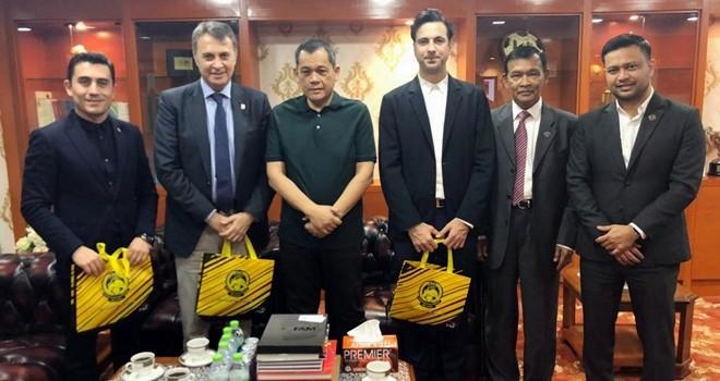 Fikret Orman ile Malezya Futbol Federasyonu Başkanı buluştu