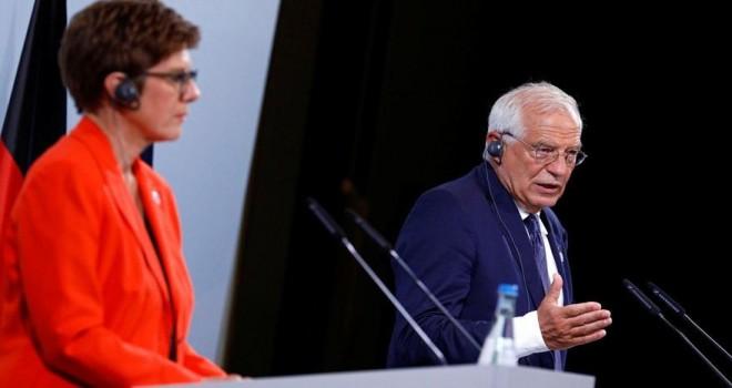 Mikrofon açık kalınca Alman bakanın sözleri ifşa oldu