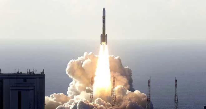 Birleşik Arap Emirlikleri Mars'a gidecek uydusunu fırlattı