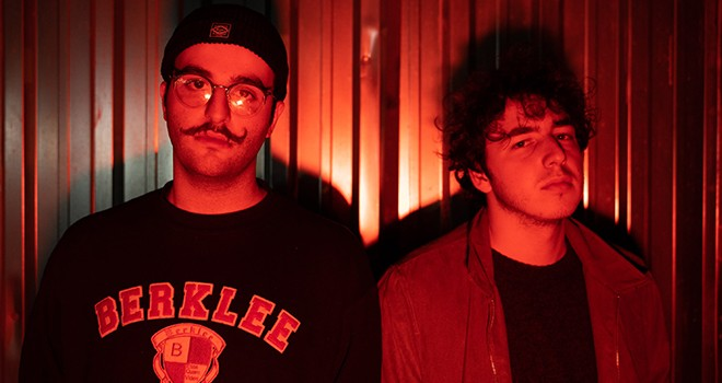 Indie rock müziğin ikilisi Düşün'ünden yeni tekli