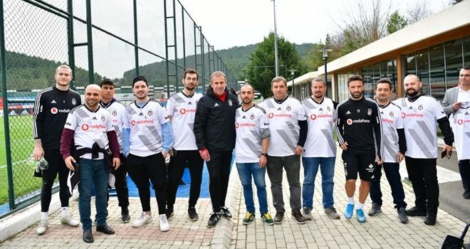 Vodafone KaraKartallılar'dan antrenmanda ziyaret