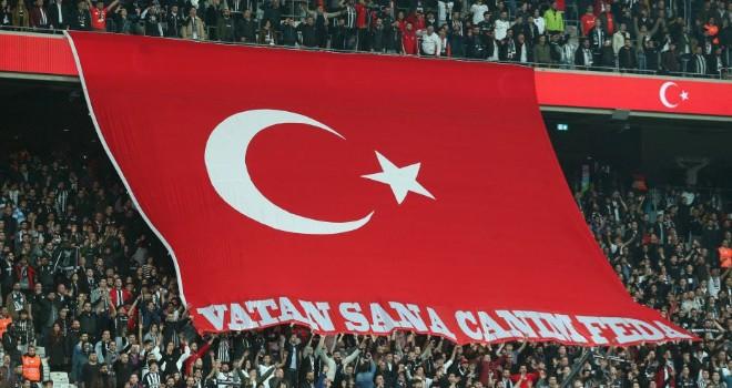 Vodafone Park'ta Türk ordusuna destek