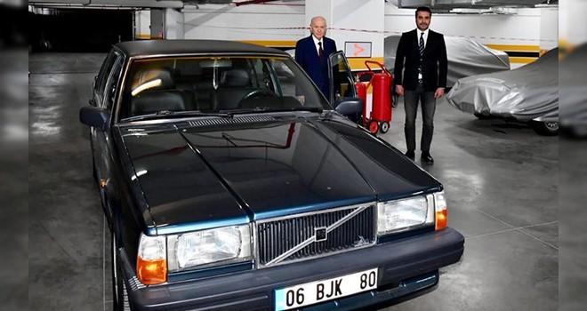 Bahçeli'den Beşiktaş Belediye Başkan adayı Serkan Toper'e BJK plakalı araç