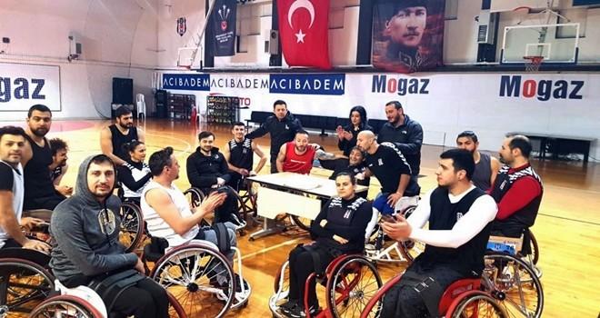 Beşiktaş'ta çifte kutlama
