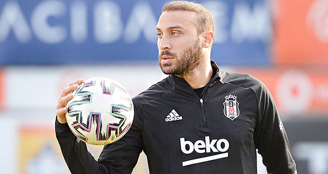 Cenk Tosun'dan futbolu Beşiktaş'ta bırakma sözleri