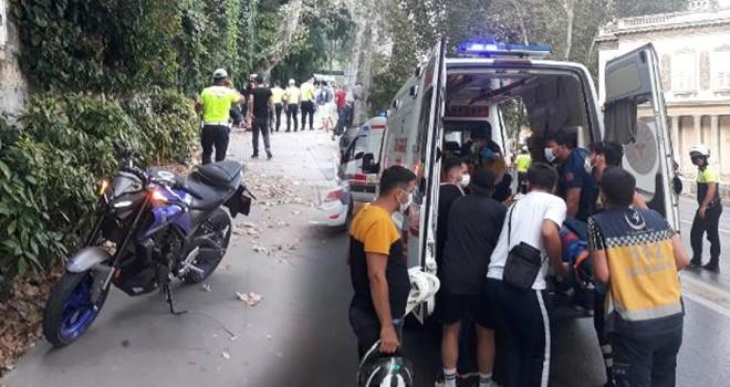Hakimiyetini kaybeden motosiklet sürücüsü yayalara çarptı