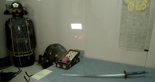 Sultan 2. Abdülhamid'e hediye edilen Japon Zırh Takımı sergilenmeye başlandı
