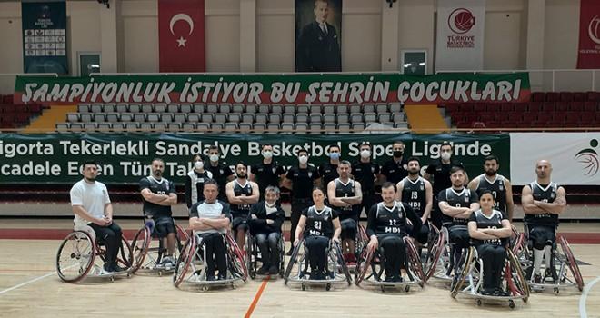 İzmir Bş. Bld. - Beşiktaş Tekerlekli Sandalye Basketbol Takımı: 59-57