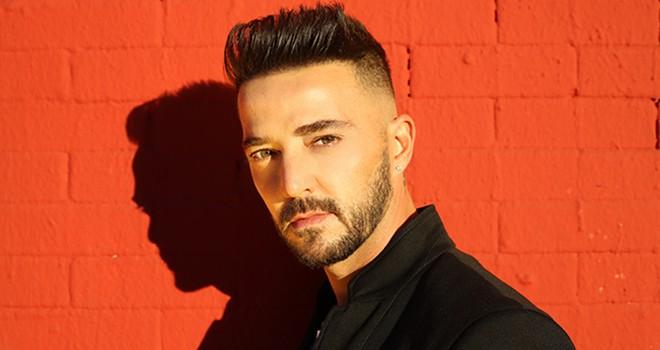 Gökhan Özen'in Bağrında şarkısına Hollywood bulvarında klip
