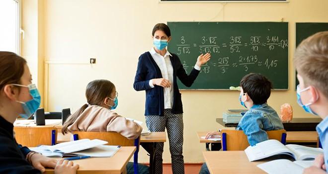 Sağlık Bakanı'ndan okulların açılış tarihi açıklaması