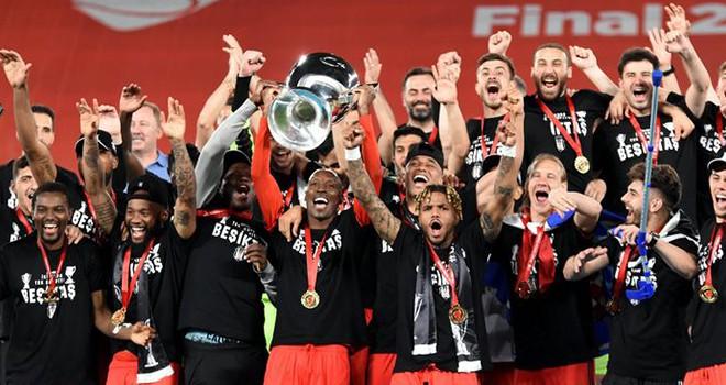 İki kupa tek şampiyon! Beşiktaş'ın Ziraat Türkiye Kupası kutlamasından kareler