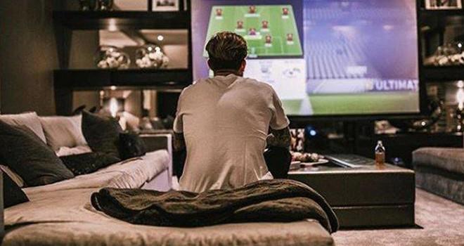 Playstation'da FIFA oynayanlar buraya! Karius'tan çağrı var