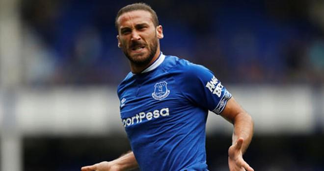 Cenk Tosun'u Everton'da zorlu günler bekliyor