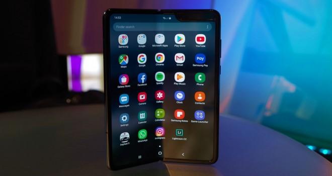 Samsung'un katlanabilen telefonu: Galaxy Fold