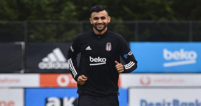 Ghezzal Beşiktaş'ta kalmak istedi
