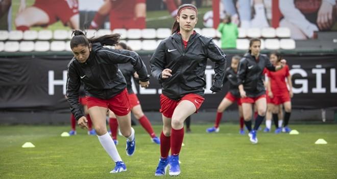 Nike ve TFF'den kadın futbolu turnuvası