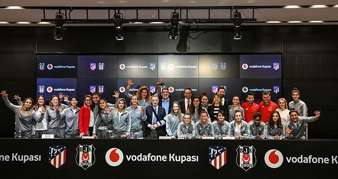 Vodafone'dan kadın futbolculara destek