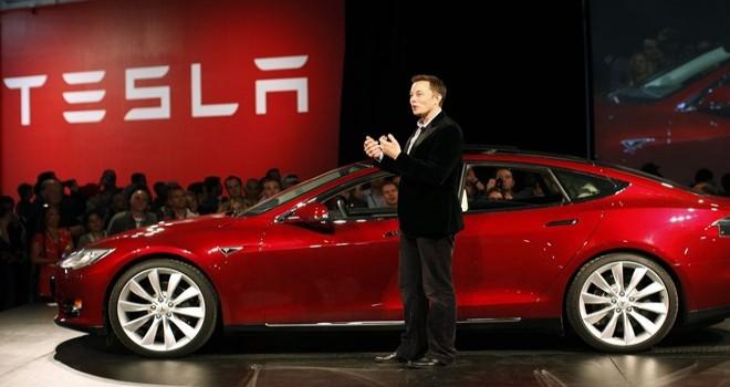 Tesla Covid-19'a rağmen üretime devam edecek
